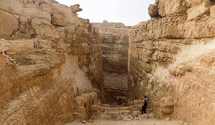 Pyramid Explorer 2016, Ancient World Tours, Abu Roash